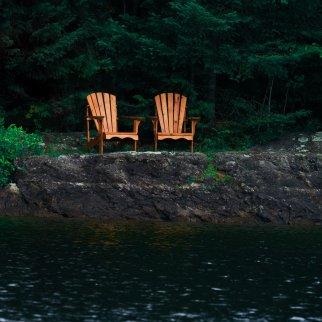 cottage-chairs-on-rocks_4460x4460